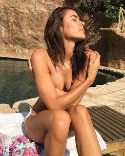 Marly Velásquez en Topless [740x924] [218.45 kb]