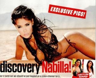 Nabilla Benattia en Zoo Magazine Bikini [640x516] [114.07 kb]