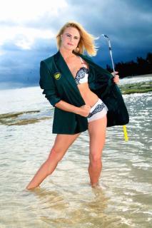 Carly Booth en Bikini [720x1080] [191.01 kb]
