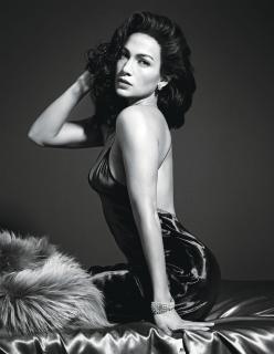 Jennifer Lopez [1536x1981] [382.36 kb]