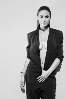 Emmanuelle Chriqui [960x1440] [124.12 kb]