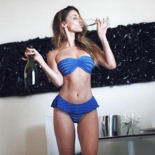 Jessica Lowndes [740x740] [138.96 kb]