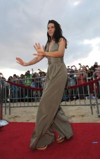 Evangeline Lilly [1887x3000] [372.79 kb]
