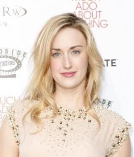 Ashley Johnson [740x867] [106.24 kb]
