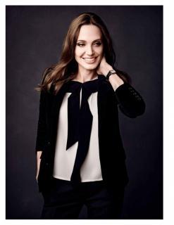 Angelina Jolie [1118x1447] [134.73 kb]
