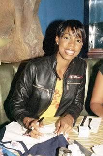 Kelly Rowland [213x320] [17.15 kb]