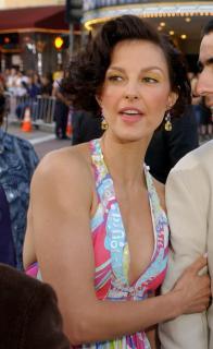 Ashley Judd [760x1235] [120.35 kb]