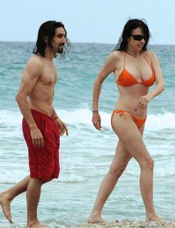 Beatriz Rico in Bikini [615x800] [126.1 kb]