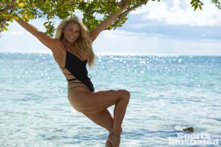 Christie Brinkley en Si Swimsuit 2017 [1500x1000] [241.53 kb]