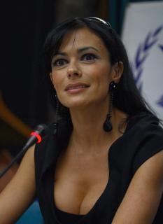 Maria Grazia Cucinotta [2188x3000] [745.8 kb]