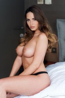 Sabine Jemeljanova en Page 3 Desnuda [1000x1500] [202.13 kb]