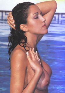 Nuria Bermúdez en Topless [485x691] [40.6 kb]