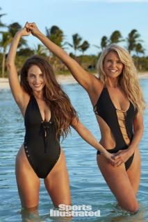 Christie Brinkley en Si Swimsuit 2017 [1280x1920] [353 kb]
