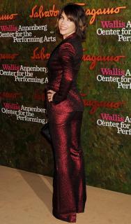 Evangeline Lilly [1768x3000] [718.84 kb]