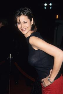 Catherine Bell [2878x4300] [831.9 kb]