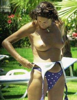 Carmina Ordoñez en Topless [270x349] [20.84 kb]