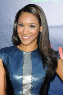 Candice Patton [2400x3600] [971.7 kb]