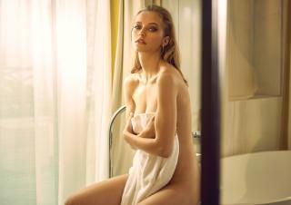 Coline Aulagnier Nude [2000x1414] [301.38 kb]
