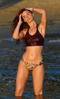 Jennifer Metcalfe en Bikini [2200x3636] [826.31 kb]