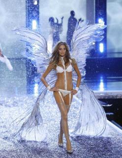 Victorias Secret Show 2006 [1200x1548] [377.41 kb]