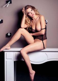 Raquel Jacob en Playboy Desnuda [732x1024] [103.64 kb]
