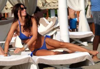 Elisabetta Gregoraci en Bikini [800x556] [109.78 kb]