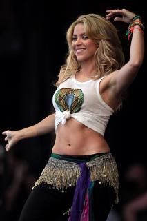 Shakira [900x1350] [117.32 kb]