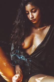 Emilie Payet Desnuda [1200x1800] [274.22 kb]