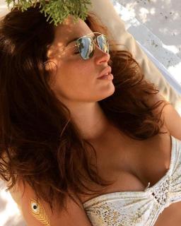 Laura Ramos en Bikini [1080x1349] [259.47 kb]