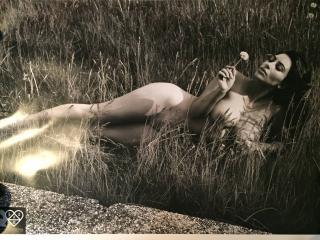 Kim Kardashian Desnuda [3264x2448] [1420.09 kb]