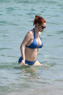 Audrey Fleurot en Bikini [1319x1977] [386.42 kb]