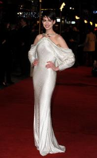 Anne Hathaway [618x1000] [60.04 kb]
