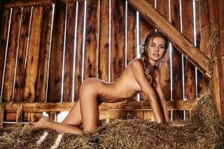 Julia Prokopy en Playboy Desnuda [1080x719] [235.67 kb]