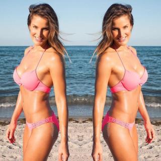 Veronica Castilla en Bikini [1080x1080] [188.72 kb]