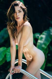 Lauren Summer Desnuda [2732x4096] [858.71 kb]