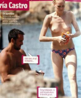 María Castro en Topless [1300x1584] [172.86 kb]