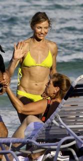 Cameron Diaz in Bikini [625x1200] [114.96 kb]