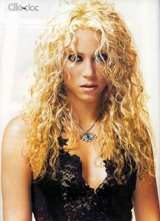 Shakira [800x1100] [190.91 kb]