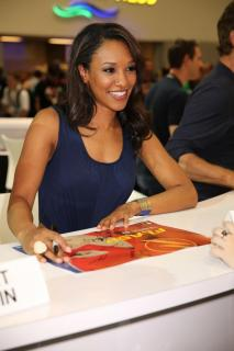 Candice Patton [936x1403] [97.38 kb]