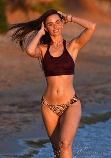 Jennifer Metcalfe en Bikini [2200x3118] [502.89 kb]