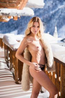 Christin Tusk en Playboy Desnuda [1280x1920] [378.76 kb]