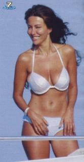 Sabrina Ferilli [572x1100] [76.25 kb]