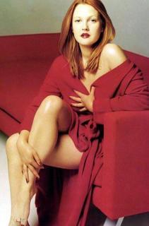 Drew Barrymore [396x600] [32.38 kb]