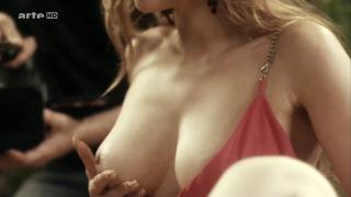 Vanessa Demouy Desnuda [1280x720] [87.78 kb]