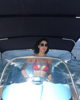 Pilar Santacruz en Bikini [1080x1349] [161.67 kb]