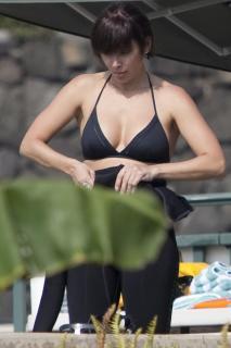 Natalie Imbruglia in Bikini [1200x1800] [130.7 kb]