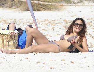 Patricia Pérez en Bikini [800x615] [71.41 kb]