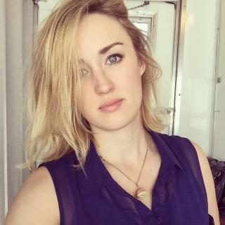Ashley Johnson [640x640] [95.89 kb]