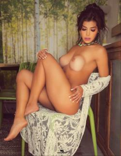 Ana Espinola en Playboy Desnuda [1015x1299] [226.77 kb]
