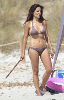 Patricia Pérez en Bikini [515x800] [59.11 kb]